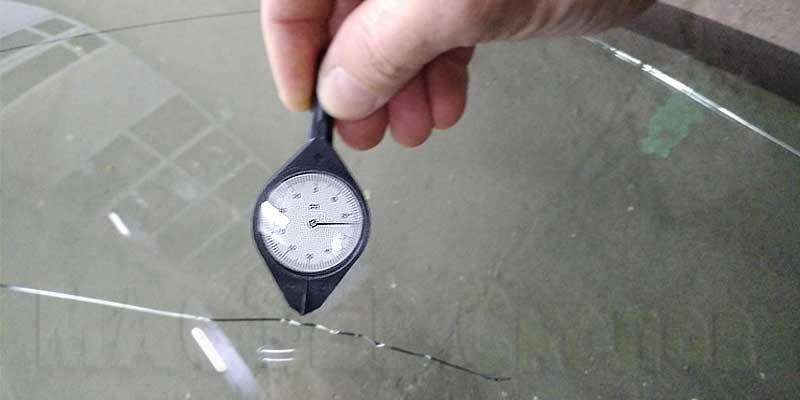 Ремонт скола на лобовом стекле цена в москве